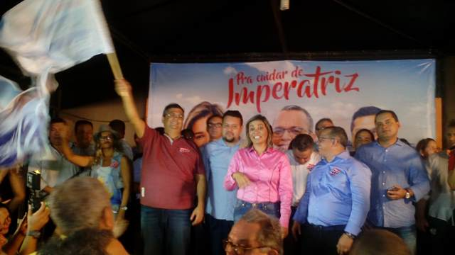 Flávio Dino ergue a bandeira de Rosângela Curado