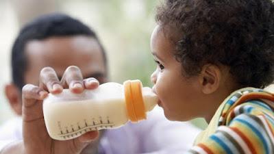 Mengenali Berbagai Gejala Alergi Susu Pada Anak