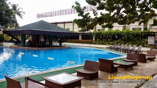 Manila Hotel Swimming Pool