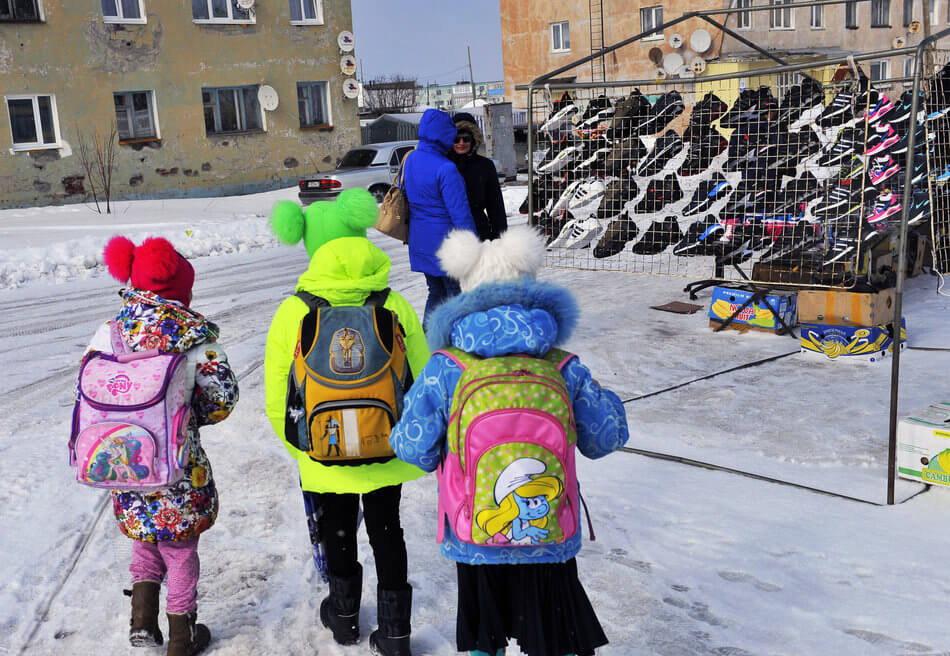 55 Stunning Photographs Of Girls Going To School In Different Countries - Russia