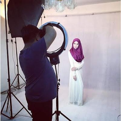 7 Potret Jash Jafri, Guru Agama Cantik Nan Imut yang Bikin Murid Rajin Ngaji