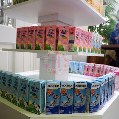 susu UHT lebih baik dari susu bubuk; vitamin susu UHT; proses pembuatan susu UHT; blogger gathering; manfaat susu; kebaikan susu; kandungan susu UHT; cara memilih susu UHT; kemasan susu UHT; tetra pak; susu UHT vs susu bubuk; susu UHT vs susu bubuk; susu UHT, susu UHT untuk anak
