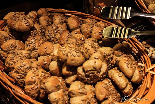 Fresh Breads Cheese