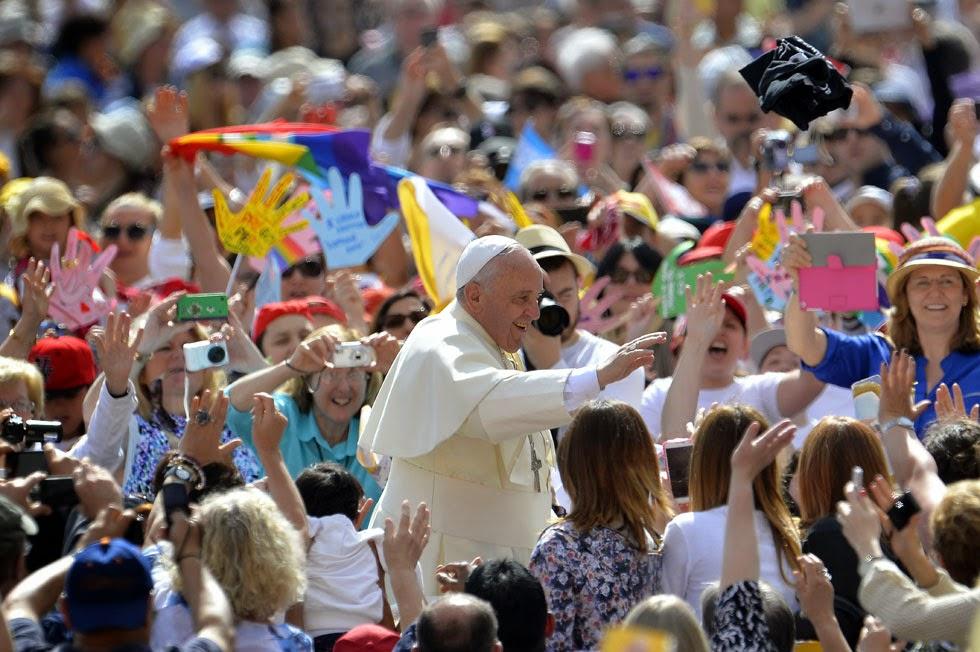 PIETRE VIVE Papa Francesco UDIENZA GENERALE 28 maggio 2014  foto testo e video
