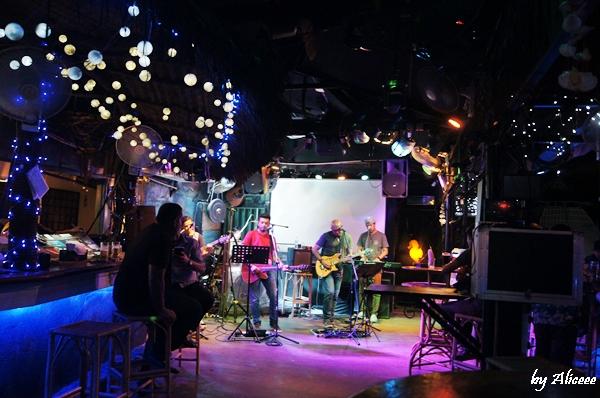 Concert-pe-acoperis-Kuala-Lampur
