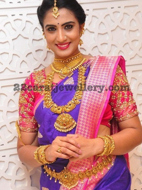 Triveni Gold Traditional Jewelry