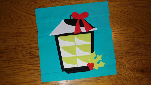 Christmas Lantern quilt block for the I Wish You a Merry QAL