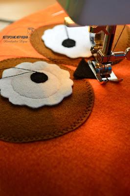 """Игрушки-подушки совы для компании """"DEC"""", полушка в автомобиль с логотипом, подушка игрушка сова, подушка из флиса, оранжевая декоративная подушка, подушка в виде совы, сова DEC"""
