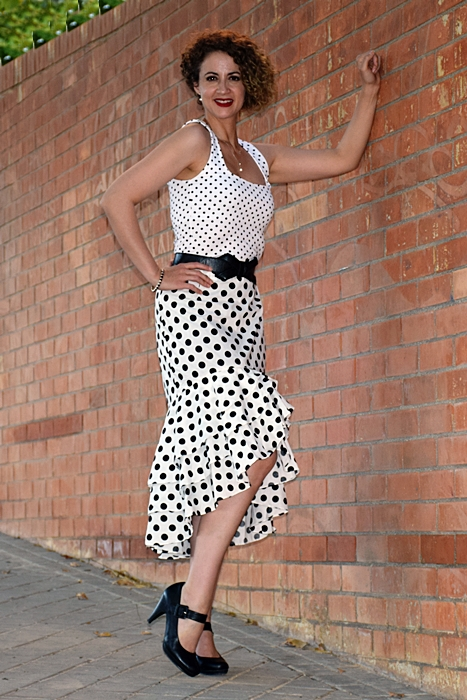 Outfit-Falda-Lunares-blanca-2