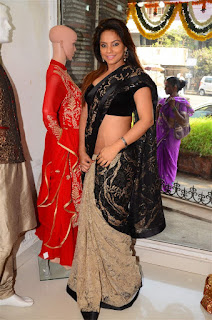 Neetu Chandra in Black Saree at Designer Sandhya Singh Store Launch Mumbai (40).jpg