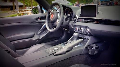 Fiat 124 Spider Lusso Interior