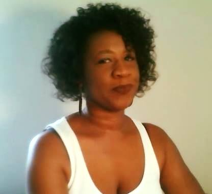 Rocking Your Natural Hair Is The Best Way To Win The Fight Against Humidity! www.toyastales.blogspot.com