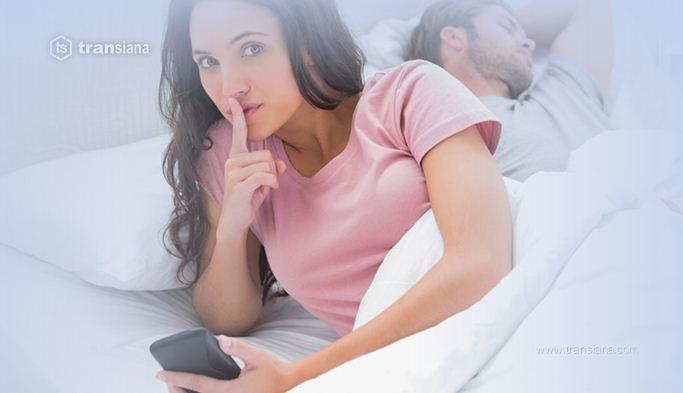 5 Tanda Pasangan Anda Berselingkuh di Sosial Media
