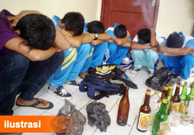 Badan narkotika nasional (BNN) Kota Banjarbaru merilis tahun ini telah merehabilitasi sedikitnya 143 pengguna narkoba.  Gawatnya, setengah dari data itu adalah pengguna narkoba berusia anak-anak dan remaja.