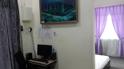 Set Komputer di Homestay Hj Esmon Parit Raja Johor