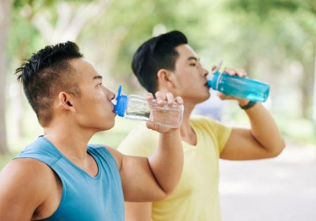 Jumlah dan Jenis Air yang di Minum Saat Olahraga