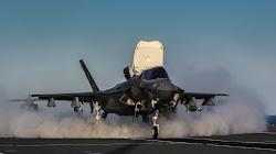 Nhật Bản mua F-35 Lightning II có khả năng cất cánh thẳng đứng