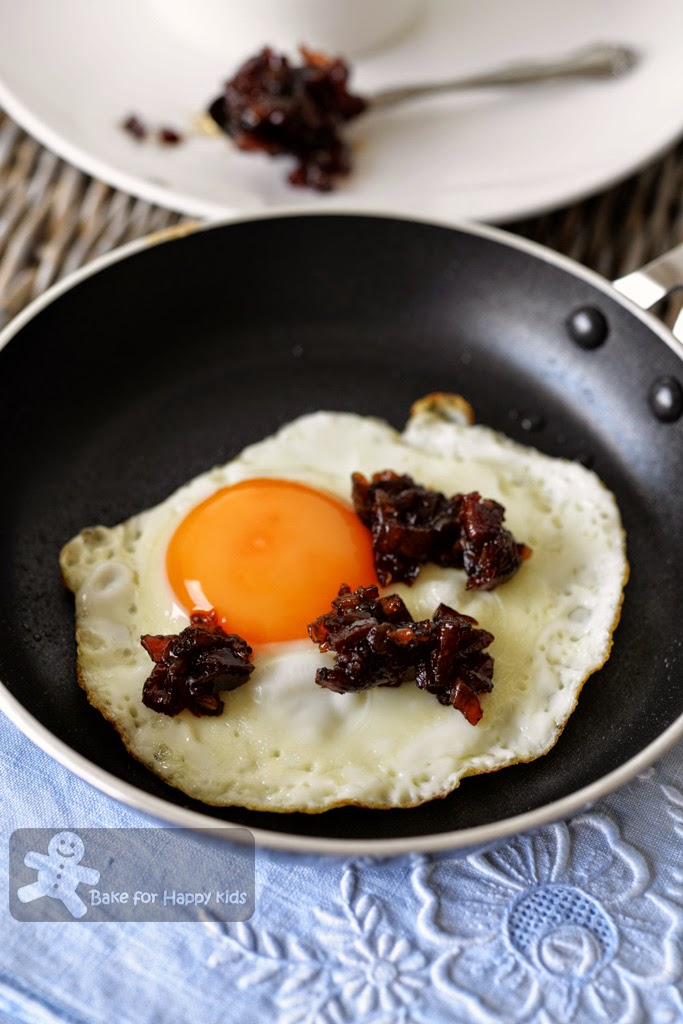 fried eggs with bacon jam