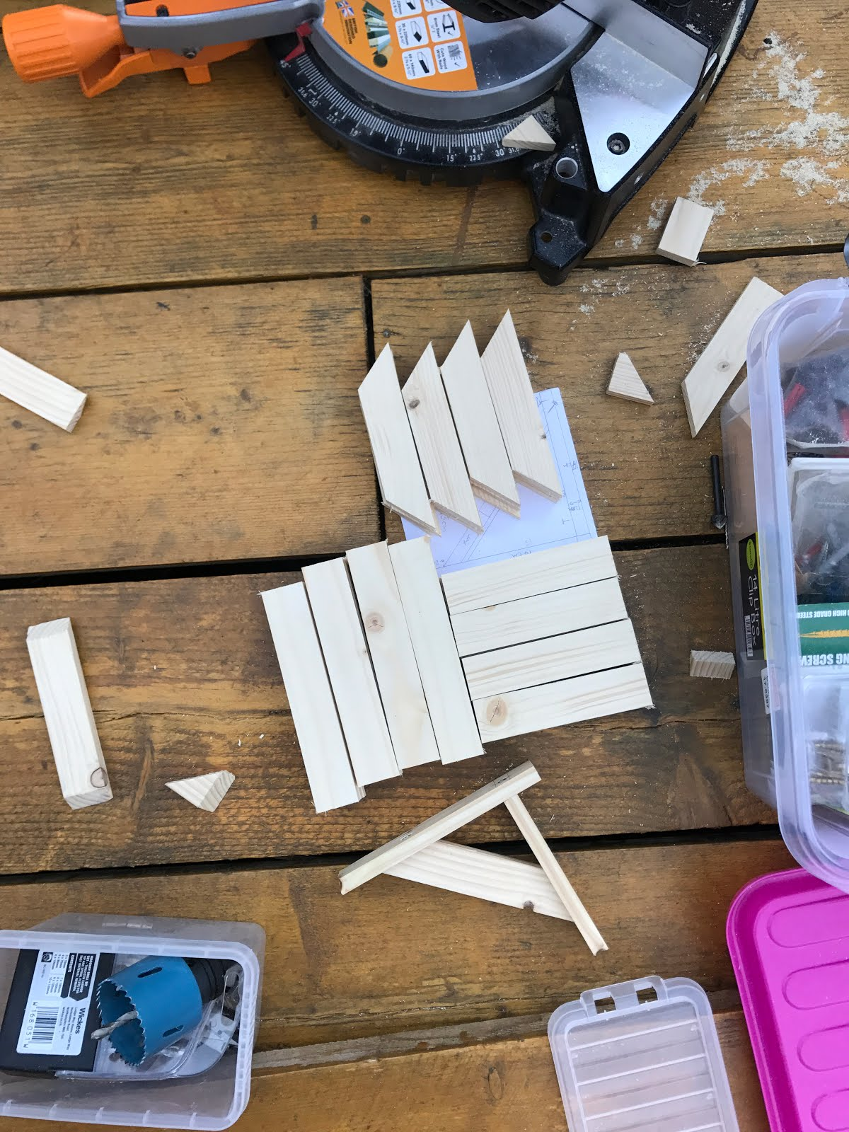 DIY shelf brackets