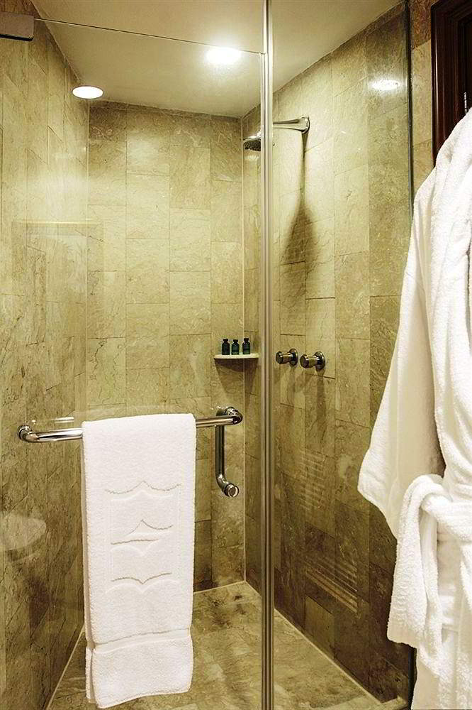 Model Shower Kamar Mand Modern
