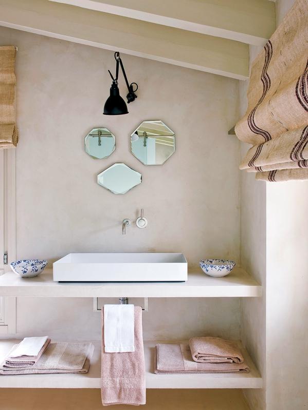 juego de espejos vintage en el baño