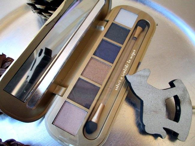 Paleta de sombras de ojos Glam de la colección de Navidad de Mercadona deliplús.