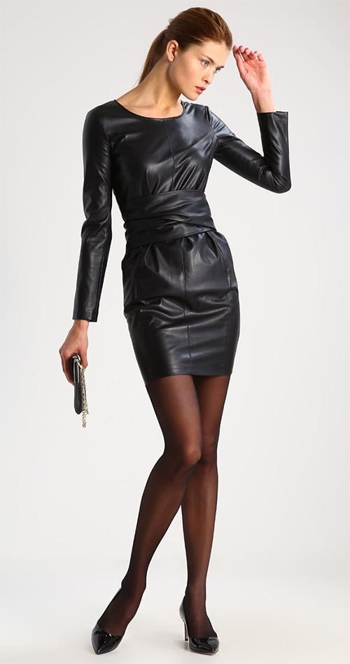 Robe courte de soirée noire simili cuir manches longues Patrizia Pepe
