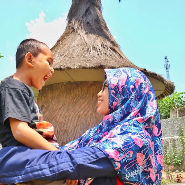 Menyiapkan Dana Pendidikan Adalah Bentuk Cinta Orang Tua Kepada Anak