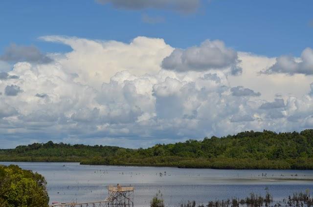7 Fakta Danau Lait Yang Belum Banyak Diketahui