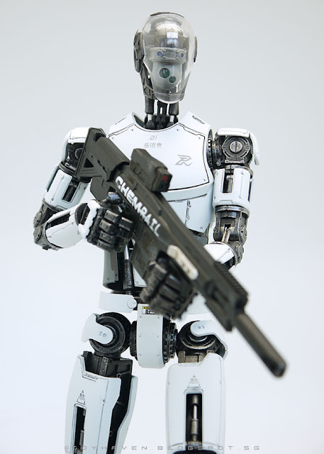 osw.zone Pew Pew Pew Gun 1 / 6th scale PINYIKE Robotic Nude Body Combat Type (White version) Review II