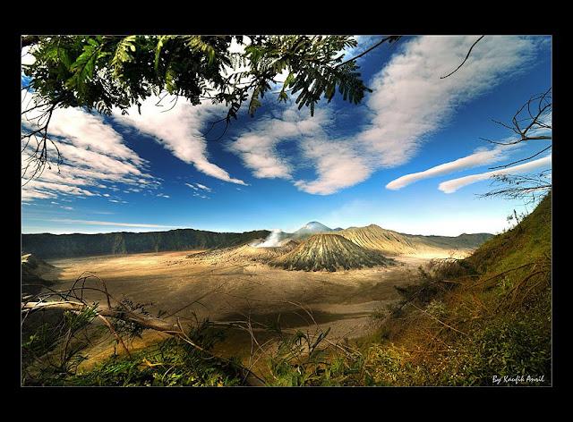 Gunung Bromo salah satu andalan Pesona Indonesia