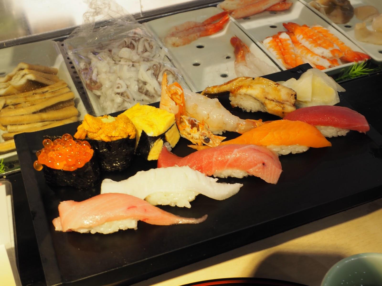 tsukiji fish market uni ikura toro japan tokyo