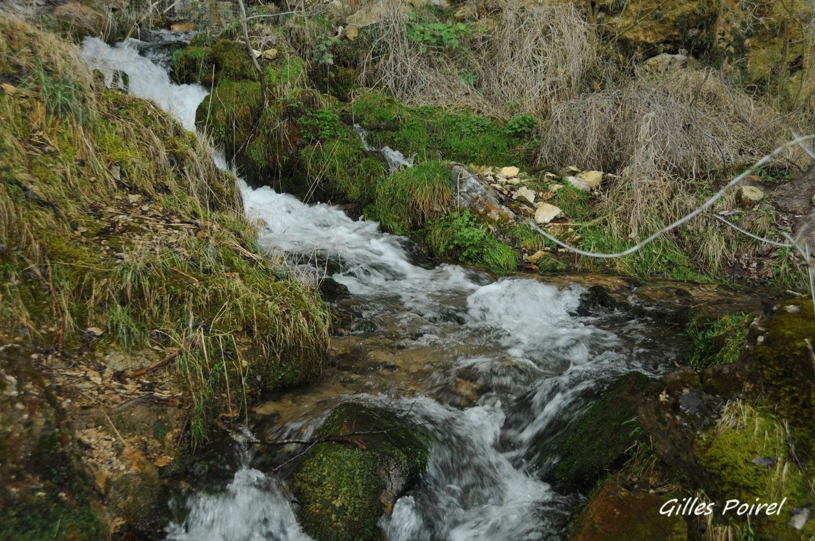 La cascade de Baume les Messieurstrésor naturel des Montagnes du