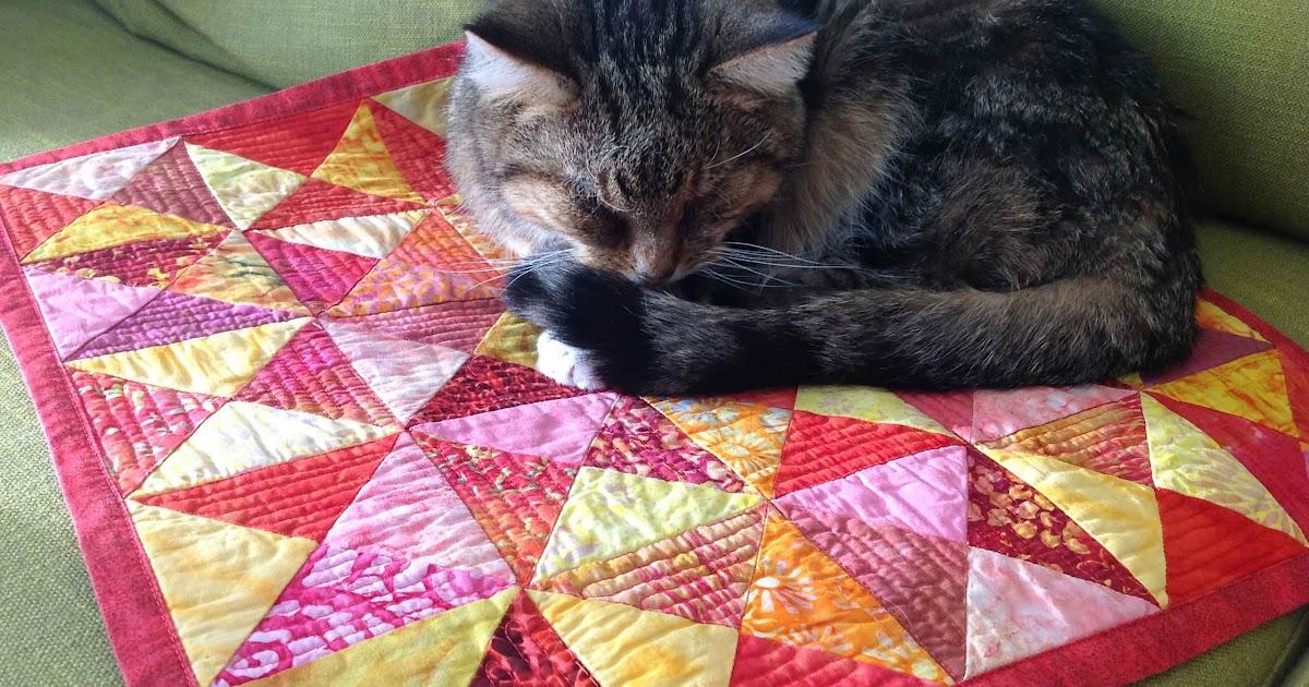 Fabadashery Broken Dishes Quilt Cat Mat