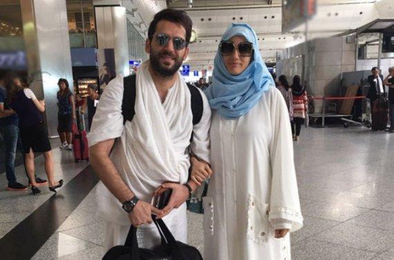 الممثل التركي مراد يلدرم وزوجته المغربية إيمان البناء يحجان هذا العام