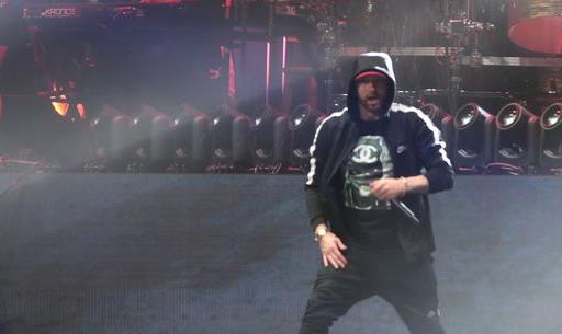 Gunshot' sound effects during Eminem's Bonnaroo set prompt backlash
