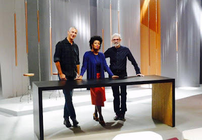 A apresentadora Thalma de Freitas apresenta o programa ao lado dos jurados Eder Chiodetto e Cláudio Feijó - Divulgação