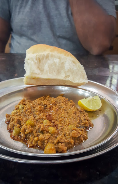 Kheema Pav at Good Luck Parsi Cafe in Mumbai