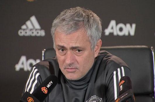 MU 300 triệu bảng vẫn ít: Mourinho thanh trừng, 9 sao sắp ra đường 1
