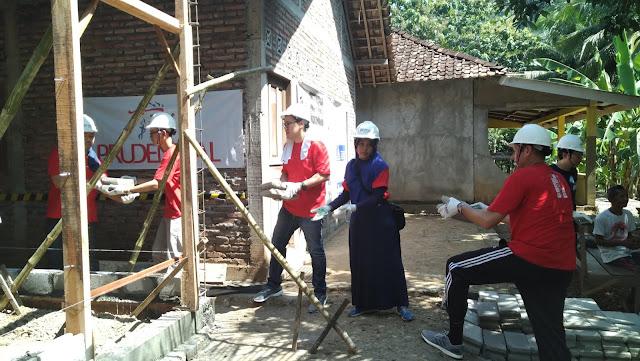 Berkontribusi untuk Negeri Bareng PRUvolunteers di Selopamioro 1