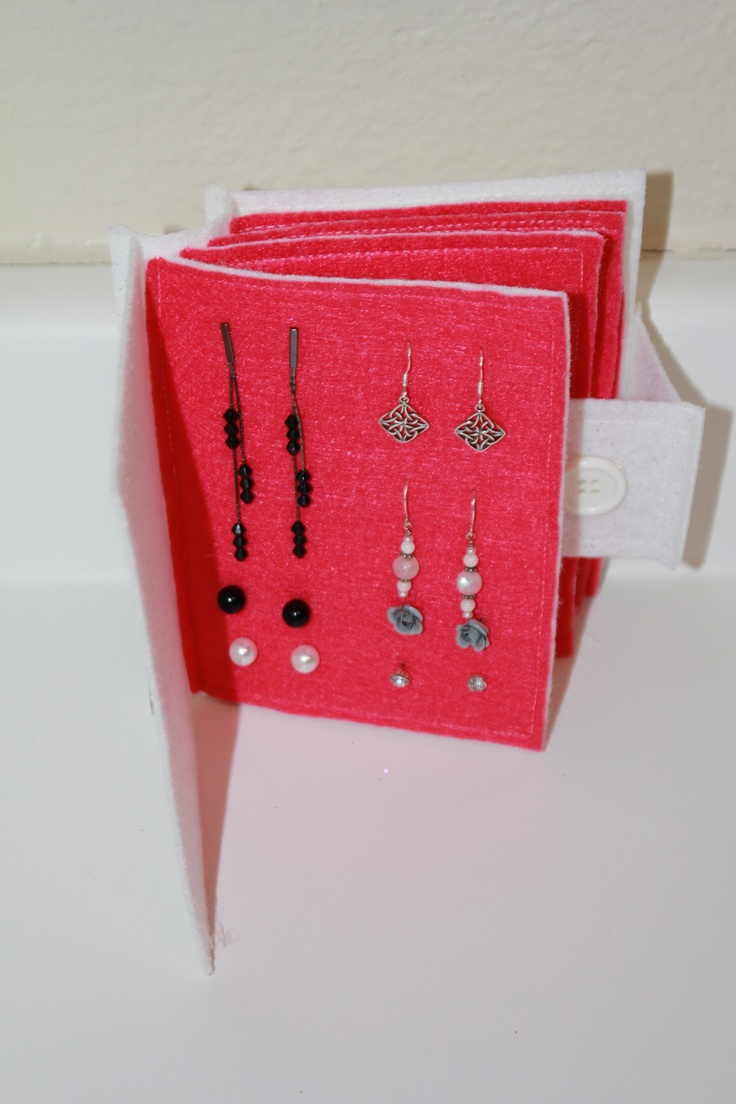Simple and Soft: Earring Travel Book