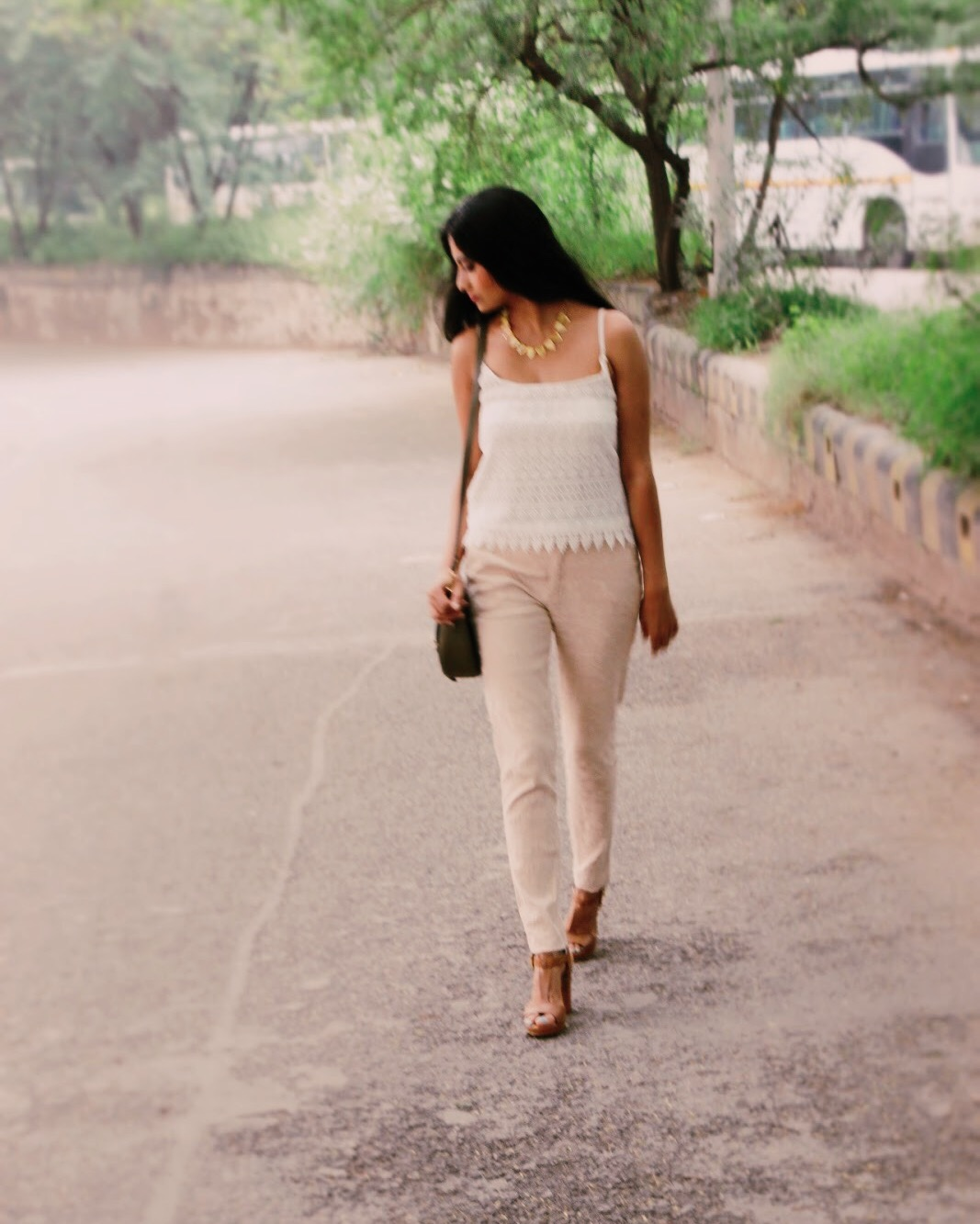 earthy tones, white with nude, summer outfit idea, crochet, jacquard trouser