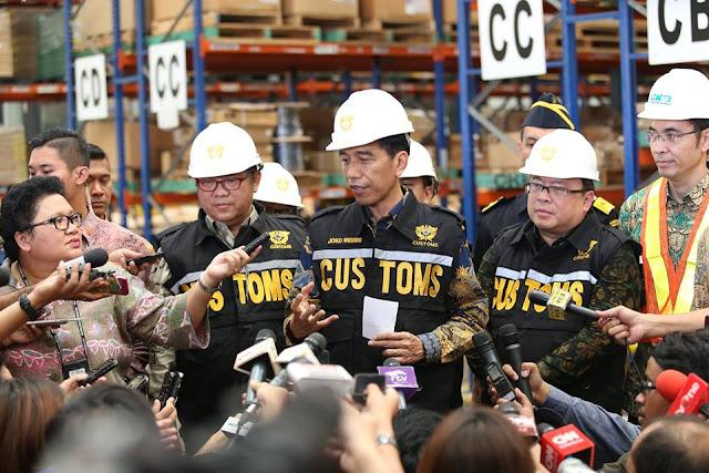 Dunia Heboh! Presiden Jokowi Bangun Gudang Raksasa, Singapura Terancam Bangkrut!