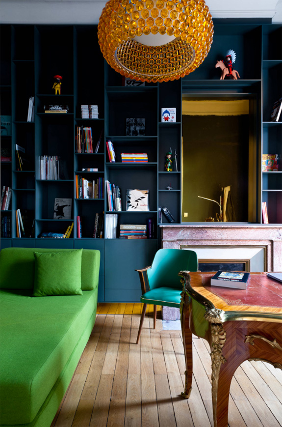 love the mix of colors in this space designed by architect Daphne Serrado.