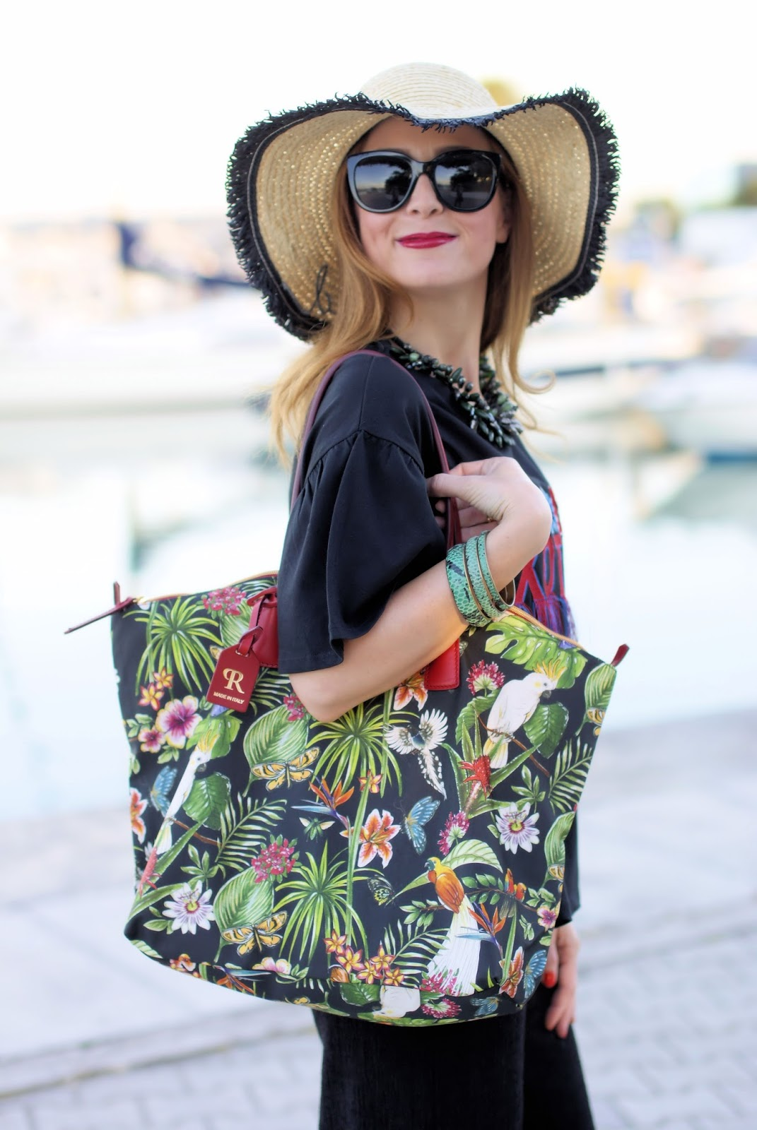 Tropical print trend with Robertina bag by Roberta Pieri on Fashion and Cookies fashion blog, fashion blogger style