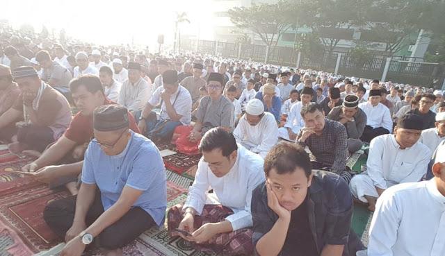 Warga Kelurahan Rancanumpang Shalat Id Bersama Wali Kota Bandung di GBLA