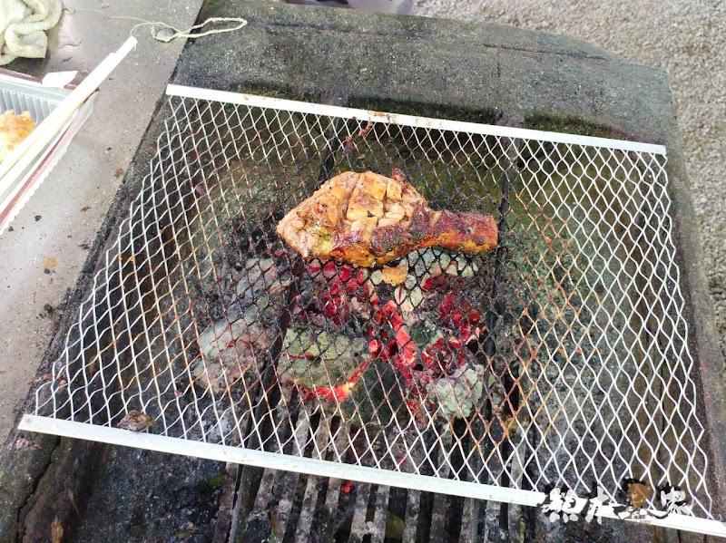 苗栗婚紗IG打卡景點|教堂廣場-飛牛牧場|寬敞露營營地設有盥洗區烤肉區好便利