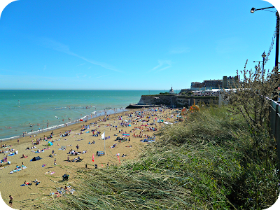 broadstairs beach, folk week