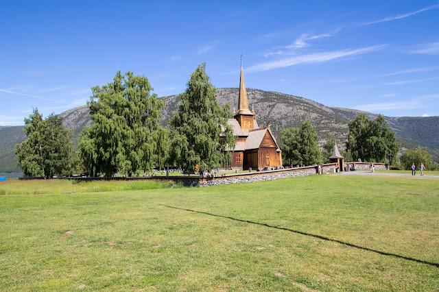 Stavkirke di Lom