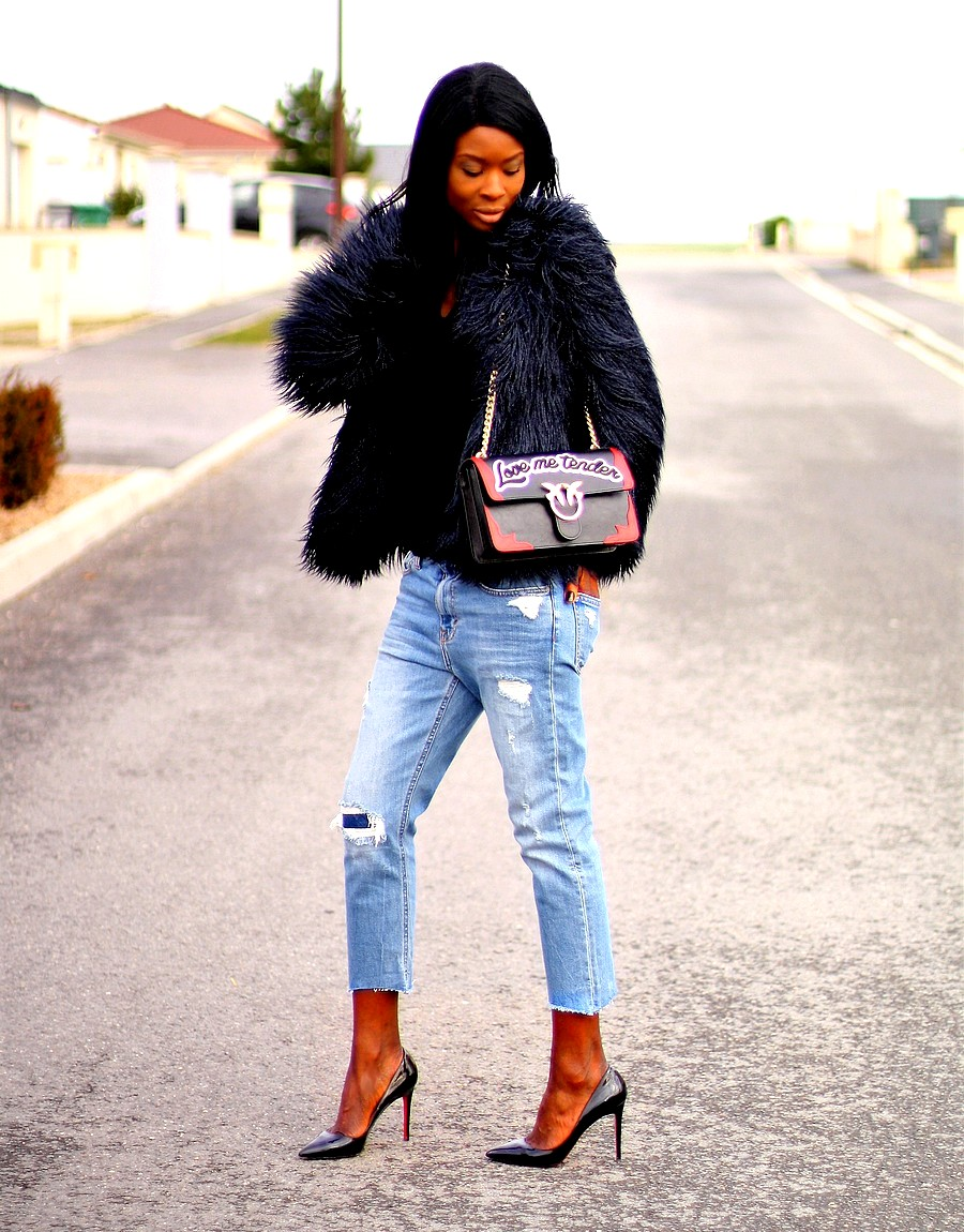 louboutin-pigalle-sac-pinko-love-manteau-fausse-fourrure-zara-jeans-dechire